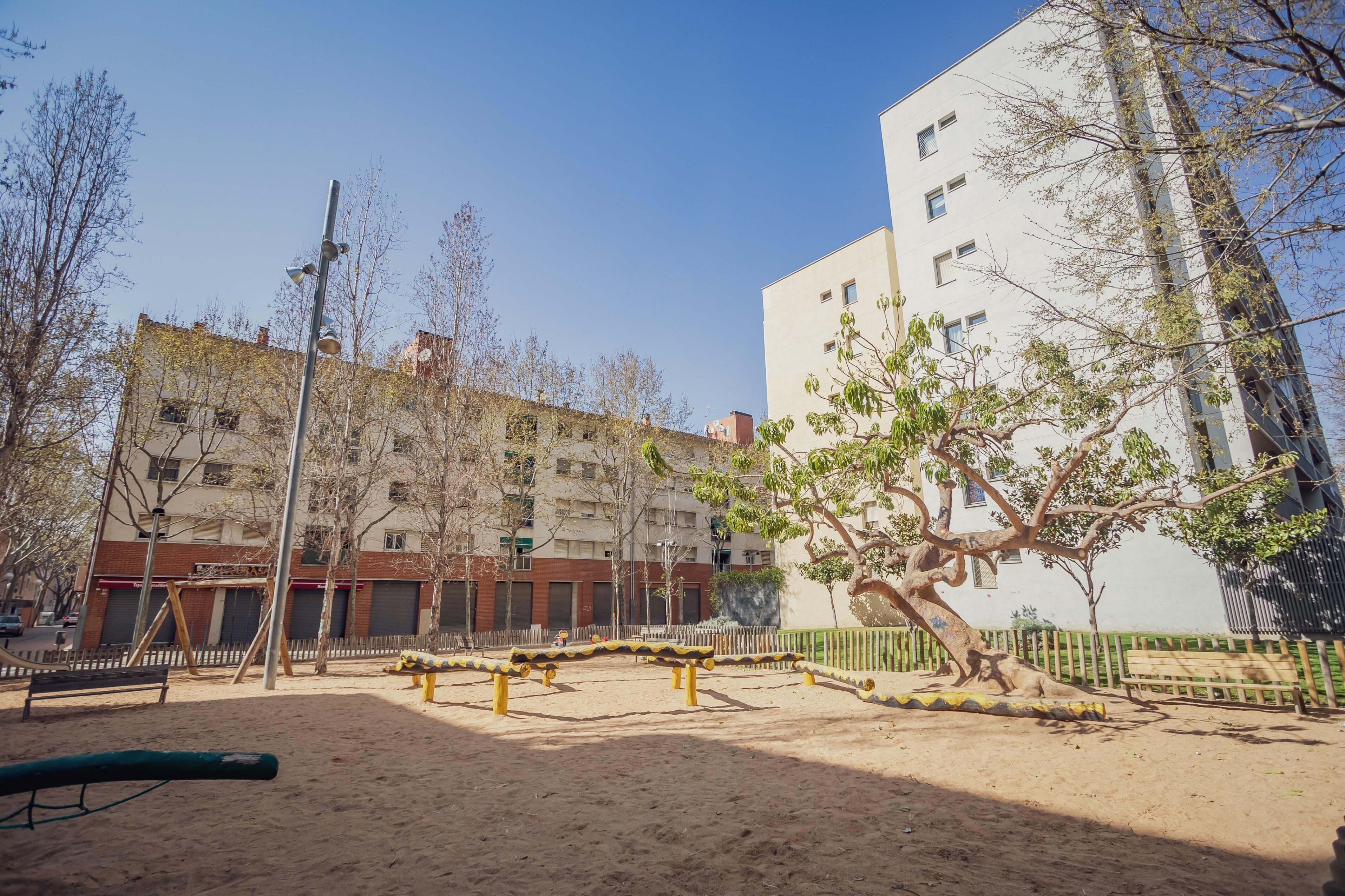 4.Millorar els jardins de Paco Candel i la seva zona de jocs