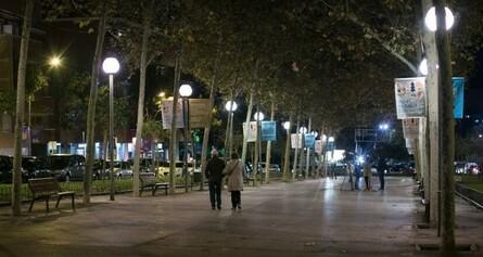 Estudi i millora de la il·luminació de punts foscos de la ciutat