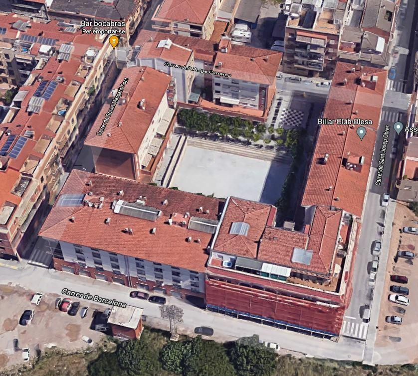 Retirada de la pavimentació dura de la Plaça dels Països Catalans i convertir-la en un parc verd